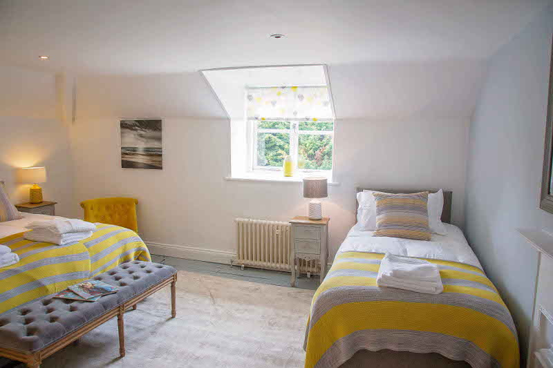 Grey/Yellow Bedroom